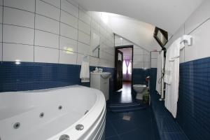 Portile Ocnei, Guest houses  Tîrgu Ocna - big - 17