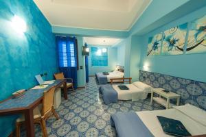 Petit Hotel, Hotel  Milazzo - big - 1