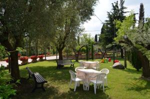 Hotel Olioso, Hotel  Peschiera del Garda - big - 55