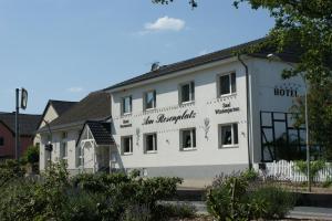Hotel Garni - Am Rosenplatz - Kusey