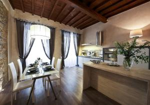 Apartments Florence - Giglio santa trinita - AbcAlberghi.com