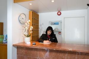 Auberges de jeunesse - Sunny Hill Hotel Apartments