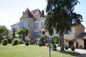 Location gîte, chambres d'hotes Manoir La Breuille dans le département Charente 16