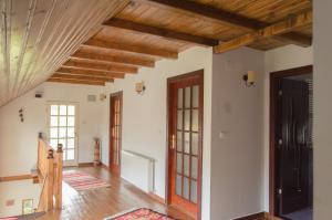 Rustic Argesean, Guest houses  Corbeni - big - 50