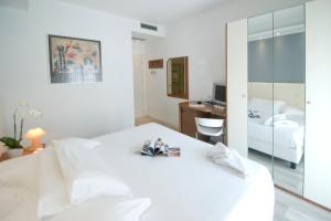 Hotel Sorriso, Отели  Милано-Мариттима - big - 3