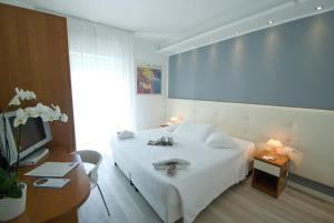 Hotel Sorriso, Отели  Милано-Мариттима - big - 2