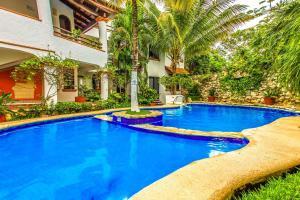 Hacienda San Jose Condo by Bric