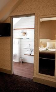 Best Western Le Duguesclin, Отели  Сен-Бриё - big - 82