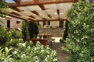 Handakas Studios Andros Greece