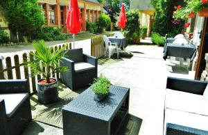 Hotel Restaurant Le Cygne, Hotel  Conches-en-Ouche - big - 28