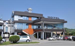 . Hotel Kole