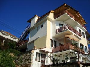 Sonce Guest House, Охрид