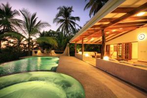Hotel Tropico Latino, Szállodák  Santa Teresa Beach - big - 8
