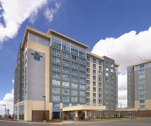 Homewood Suites Calgary Airport - Hotel - Calgary