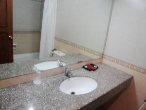 Imperial Hotel, Отели  Kendari - big - 6