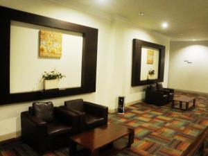 Imperial Hotel, Отели  Kendari - big - 37