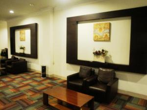 Imperial Hotel, Отели  Kendari - big - 35