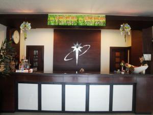Imperial Hotel, Отели  Kendari - big - 17