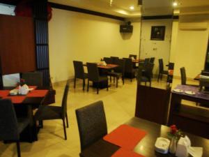 Imperial Hotel, Отели  Kendari - big - 33