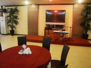Imperial Hotel, Отели  Kendari - big - 28