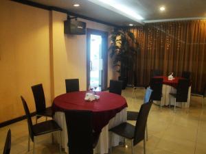 Imperial Hotel, Отели  Kendari - big - 25