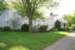 Captain Stannard House Bed and Breakfast Country Inn - Accommodation - Westbrook