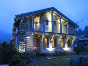 Location gîte, chambres d'hotes Chalet de la Royotte - Sauna & SPA dans le département Vosges 88