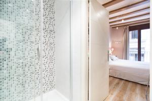 AinB Gothic-Jaume I Apartments, Апартаменты  Барселона - big - 84