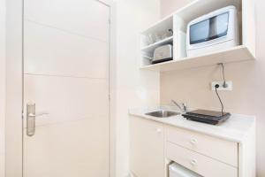 AinB Gothic-Jaume I Apartments, Апартаменты  Барселона - big - 95