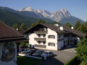 Hotel Garni Brunnthaler, Hotely  Garmisch-Partenkirchen - big - 75