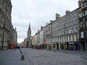 Clamshell Land - Royal Mile