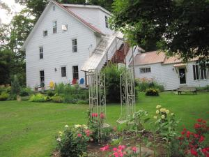 Maple House Bed & Breakfast - Accommodation - Rowe