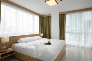 Modern Thai Suites Hotel - Ban Bo Rae