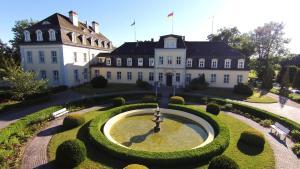 Schloss Groß Plasten - Kittendorf
