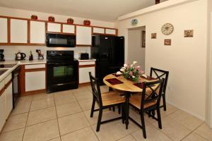 Flexible Pay Vacation Homes, Nyaralók  Kissimmee - big - 2