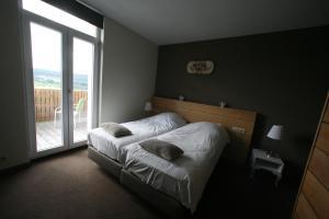 La Fête au Palais, Hotel  Lustin - big - 6