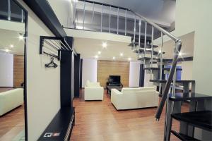 Garage Hotel - Drokino