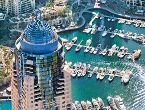 Dubai Marriott Harbour Hotel And Suites, Дубай