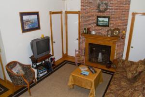 Historic Hill Inn, Bed and breakfasts  Newport - big - 10