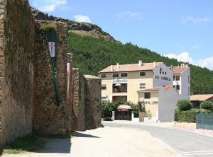 Hostal Restaurante La Muralla - Ademuz