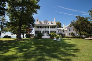 Wades Point Inn on the Bay - Accommodation - Saint Michaels