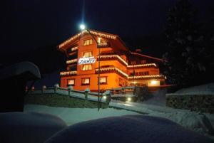 Hotel Zirmes - Moena