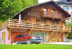 Location gîte, chambres d'hotes Chalet Falcon dans le département Haute Savoie 74