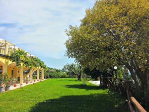 Agriturismo Monte Maggio, Farm stays  Lapedona - big - 29