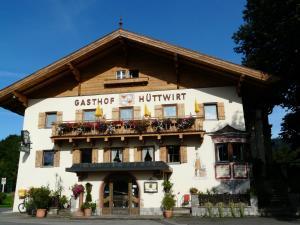 Pension Hüttwirt - Hotel - Kössen