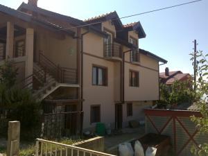 Guest House Kliment, Apartments  Peštani - big - 18