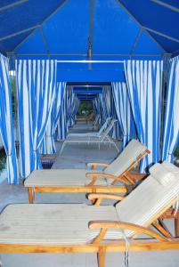 Three-Bedroom Upstairs Villa Unit 358 by Reynen Luxury Homes, Apartments  La Quinta - big - 40