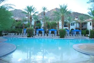 Three-Bedroom Ground Floor Villa Unit 394 by Reynen Luxury Homes, Holiday homes  La Quinta - big - 1