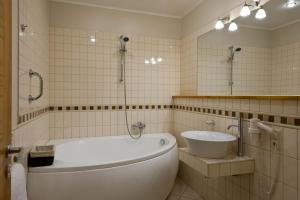 Spa Hotel Ezeri, Hotely  Sigulda - big - 37