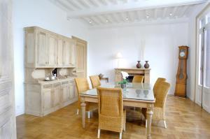 Chambres d'Hôtes - Villa Ariane, B&B (nocľahy s raňajkami)  Honfleur - big - 37